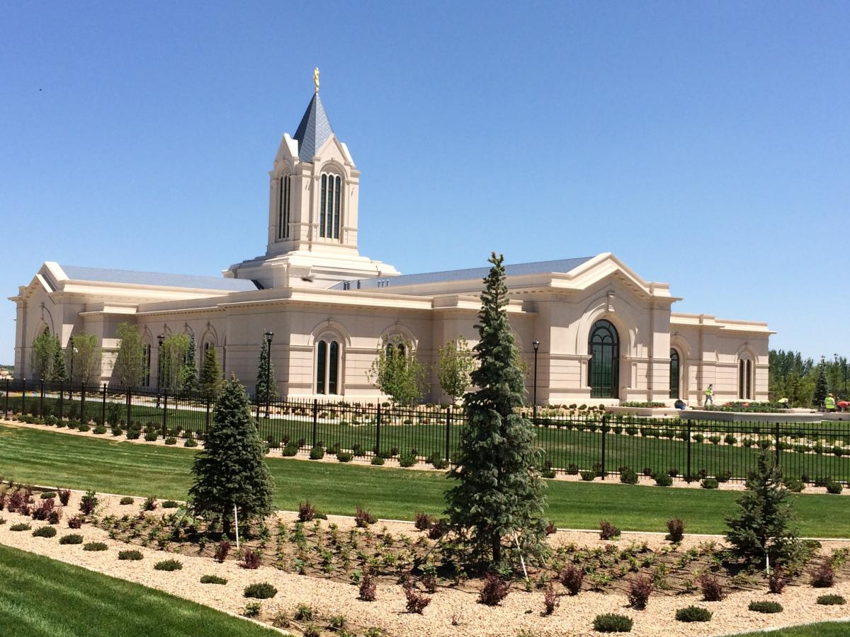 fort-collins-mormon-temple-1466087641
